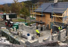 Hållbara materialval och lösningar när Sara Hector bygger Hållbara huset