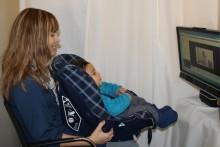 Spädbarn som inte lägger märke till synkroni mellan rörelse och ljud löper större risk att senare få autism