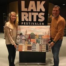 Jubileumstavla av konstnären Mia Stolpe auktioneras ut på Lakritsfestivalen