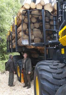 Ungdomarnas intåg i skogen leder till dagskift och fler maskiner - Rekord för registrering av nya skotare 2011
