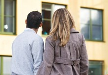 Rapport: Allt fler unga vuxna hindras köpa bostad