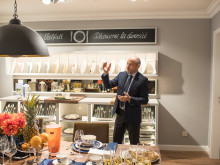 """Neuer Villeroy & Boch-Shop in Saarbrücken offiziell eröffnet – Nicolas Luc Villeroy präsentiert das neue Shopkonzept """"Wohlfühlen wie zuhause"""""""