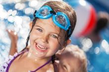 Gratis simskola i sommar – en livsviktigt medlemsförmån