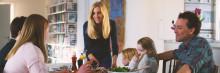 Färsk statistik till midsommar: Gemensam måltid familjens bästa hälsoförsäkring