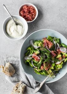Opskrift: Salat med rogn, asparges og avocado