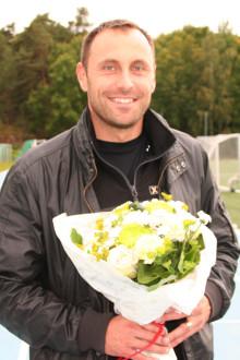 Interflora och Mattias Sunneborn skänker 10 000 kronor till BRIS