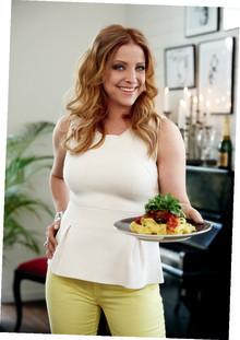 Shirley Clamp ger ut kokbok med ViktVäktarna