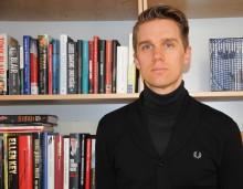 Jonlund (FP): Orimligt med olika momssats på pappers- och e-böcker