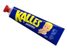 PRESSINBJUDAN Kalles Kaviar firar 60 år – Kalle och hans barnbarn besöker fabriken i Kungshamn!