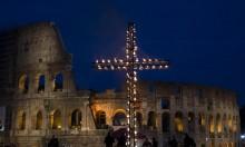 SVT direktsänder korsvägsandakt från Rom på långfredagen