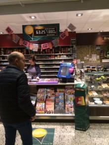 """Super Brugsen i Sakskøbing solgte Eurojackpot-vinderkuponen på 63 millioner: """"Vi har delt champagne ud her fra morgenstunden."""""""