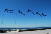 Vimplar och sittkuddar återintar Strandpromenaden