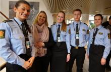 Nyutdannet politi kommer i jobb