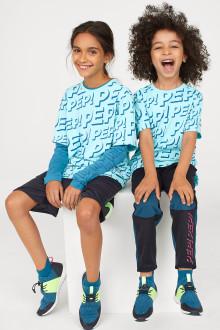 Nu finns Generation Pep och H&Ms  nya sportkollektion för barn och unga ute i butik