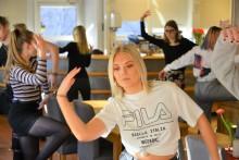 Urpremiär för specialkoreograferad danslunch hos restaurangstudenter