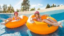Så får barnen en perfekt sommar – trots att du tvingas kvar på jobbet