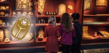 40-års jubileum Tordyveln flyger i skymningen och premiär för ljudvandringen Jakten på guldskarabén
