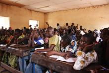 Myggnät och TV-tittande bekämpar malaria i Mali