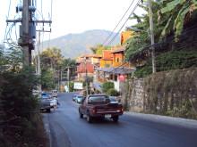 Lomalainen, varo liikennettä Thaimaassa