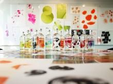 Absolut presenterer et nytt, kunstnerisk og dristig design på hele den smakstillsatte serien med Vodka.