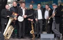 Musikalischer Sparkassen-Frühschoppen im Zeichen des Thüringentages: ILMTAL JAZZ BAND und BIG JAMBORY im musikalischen Wechsel