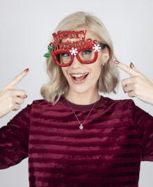 Agnes Hedengård är ansiktet utåt för Ur&Penns Julkampanj