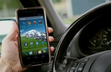 Coalition calls on mobile industry to cut driver distraction caused by phones