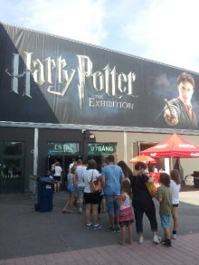 Besökare nr. 100 000 kliver idag genom dörrarna på Harry Potter: The Exhibition
