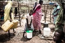 Ärkebiskopen uppmanar Carl Bildt att stötta fredsprocess i Sydsudan