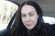 Lisa White släpper bokdebut på bokhandel i Lindesberg