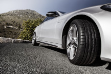 Dunlops nya UHP-däck: Sport Maxx RT2  - speciellt utformat för bra grepp, väghållning och styrprecision