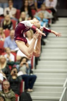 Gymnastiksveriges rising star Jonna Adlerteg tävlar i Mälarcupen - sista 'genrepet' före VM i Tokyo