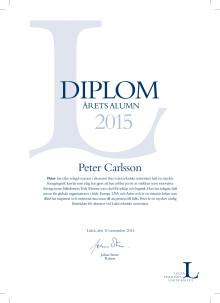 Peter Carlsson, inköpschef Tesla, får pris av Luleå tekniska universitet