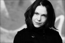 "Ny roman frå Mette Karlsvik; ""Mørkerom"""