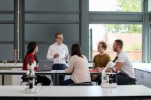 Fujitsu och Chalmers inleder samarbete kring innovation och artificiell intelligens