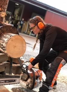 Ökat intresse för Timbersports nybörjarläger – inte minst bland tjejer