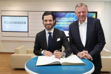 Prins Carl Philip besökte Volkswagen i Wolfsburg