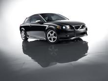 Volvo C30, S40 och V50 DRIVe får extra attityd med R-Design