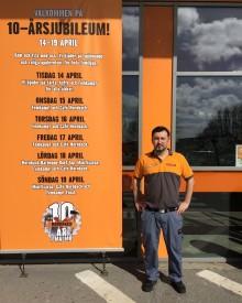 Denis firar tio år på Hornbach – Har varit med sedan varuhuset öppnade 2005