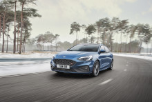 Nový Ford Focus ST kombinuje potěšení z jízdy na klikatých silnicích s přesvědčivým výkonem na závodním okruhu a praktičností v každodenním provozu