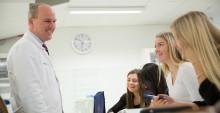 AcadeMedias medarbetare fortsatt nöjda med sina arbetsplatser