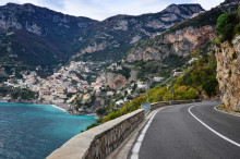 Upptäck världens bästa vägar med TomTom Road Trips: ny digital plattform skapad för att inspirera alla som ska ut på vägarna i sommar