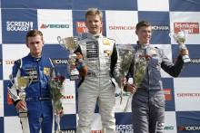 Målfoto när Wernersson vann igen i Clio Cup JTCC