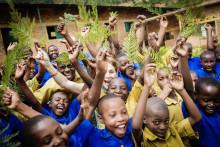 Helen Sjöholm ska ge barnen en röst för klimatet