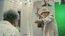 Utmanande TV-reklam ska ändra köpbeteendet hos glasögonbärare