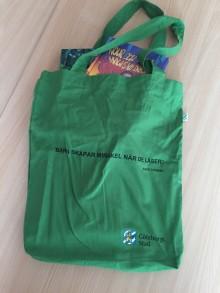 Pressinbjudan: Häng på när 3000 böcker delas ut till barnen i Angered