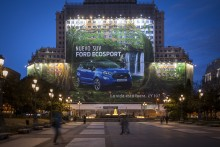 Ford erhält Eintrag bei GUINNESS WORLD RECORDS™: Größtes Plakat der Welt zeigt den neuen Ford EcoSport