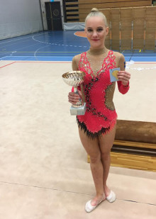 Olivia Kristensson Nilsson svensk mästarinna i rytmisk gymnastik