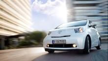 Nya Toyota Avensis premiärvisas i Paris, tillsammans med nya iQ och Urban Cruiser