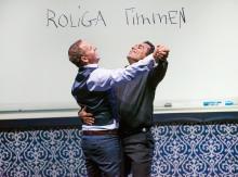 Özz Nûjen och Måns Möller gör succé med utsålda hus, nu adderas nya föreställningar i Stockholm på Rival och Cirkus och på Draken i Göteborg.